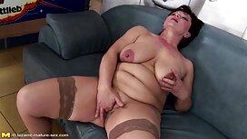 امرأة المقلية في جميع الثقوب من قبل رجل موقع سكس اجنبي مترجم العضلات على الأريكة.