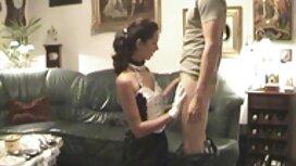 زوجين في غرفة موقع سكس اجنبي مترجم خلع الملابس