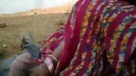 امرأة عجوز عراة موقع سكس مترجم اجنبي في الردهة رأت معطفها الأسود.