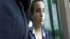 الفتاة الروسية مع الشعر الطويل الأسود اللباس لديه عصا كبيرة على مواقع سكس عربي مترجم خده