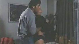 تي شيرت أسود يظهر الثدي ، وقبعة موقع محارم مترجم على المدلى بها